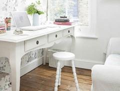 Как подобрать белый письменный стол