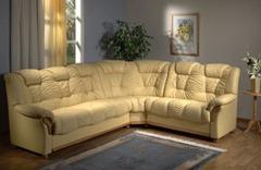 Угловой диван в интерьере  современного дизайна